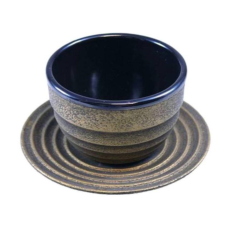Litinový šálek a podšálek na čaj - 'Xian'. 100 ml, Zlatý