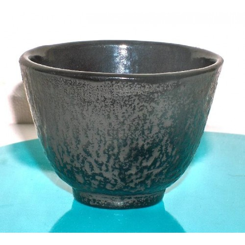 Litinový šálek na čaj. 100 ml